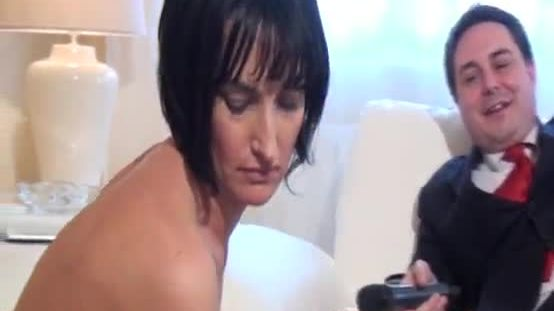 Milf shows her bizarre pussy for andrea diprè